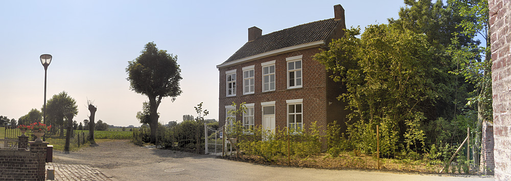 Huis van de dichter vakantiewoning watou ligging - Kroonluchter huis van de wereld ...